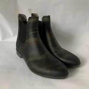 J. Crew // Green Camo Chelsea Rain Boots H0421